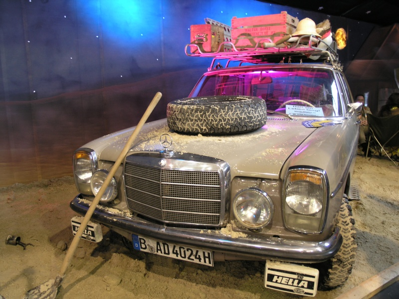 classic motorshow bremen 2010 mercedes limousine strich 8 wuestenszene. Black Bedroom Furniture Sets. Home Design Ideas